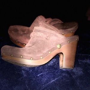 Ugg heeled wool clogs size 8! Color brown